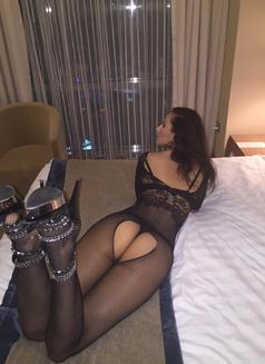 Mili independent - escort in Dubai Photo 17 of 18
