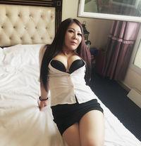 japanese sexy massage jule fisse