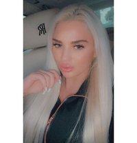 Mirela cam show availble - escort in London