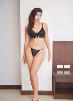 Miss Eamy - escort in Phuket Photo 2 of 4