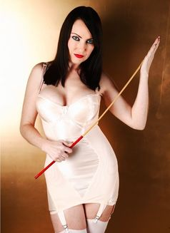 Miss Jessica Wood - dominatrix in Glasgow Photo 1 of 5