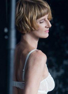 Miss Juliette - dominatrix in Berlin Photo 6 of 11