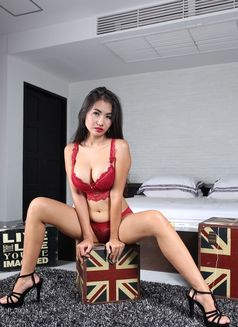 Miss Rosie Diamond - escort in Phuket Photo 2 of 6