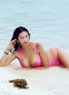 Miss Von Vitch - companion in Makati City Photo 1 of 12