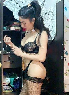 Miss Von Vitch - companion in Makati City Photo 2 of 12