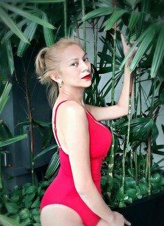 Miss Von Vitch - companion in Makati City Photo 4 of 12