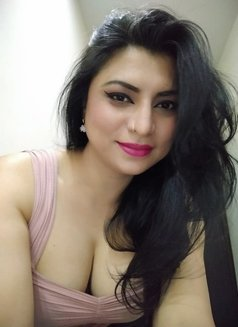 Alisha for Cam shows & online services - dominatrix in Mumbai Photo 6 of 17