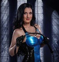 Best Strap-on Dominatrix Anna - dominatrix in Paris Photo 9 of 30