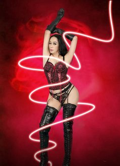 Mistress Berlyn Top Dome in Town - Transsexual dominatrix in Jakarta Photo 12 of 16
