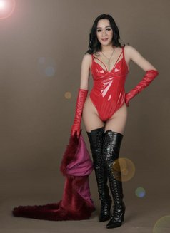 Mistress Berlyn Top Dome in Town - Transsexual dominatrix in Jakarta Photo 16 of 16