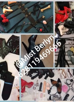 Mistress Berlyn Top Dome in Town - Transsexual dominatrix in Jakarta Photo 3 of 16