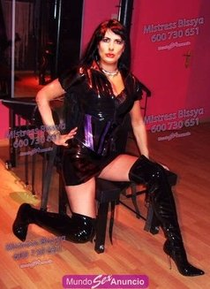 Mistress Bissya - Transsexual dominatrix in Barcelona Photo 12 of 13