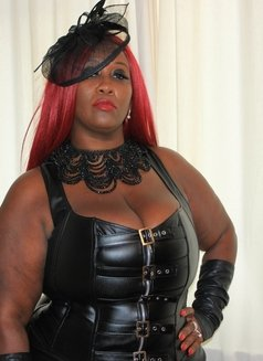 Mistress Caramel - escort in Al Manama Photo 2 of 10