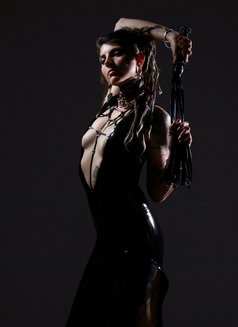 Mistress Cleo Kali - dominatrix in Sydney Photo 1 of 9