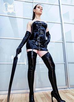 Mistress Evangeline Ducharme - dominatrix in Singapore Photo 4 of 16