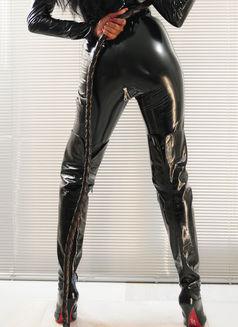 Mistress Geneva - dominatrix in Geneva Photo 22 of 30