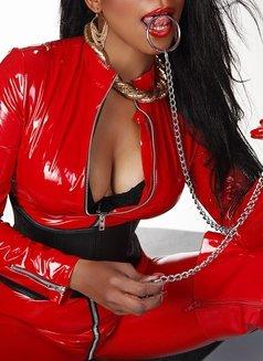 Mistress Geneva - dominatrix in Geneva Photo 30 of 30