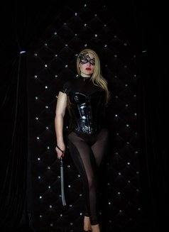 Dubai Fetish BDSM Mistress Nuar - dominatrix in Dubai Photo 11 of 30