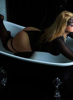 Dubai Fetish BDSM Mistress Nuar - dominatrix in Dubai Photo 18 of 30