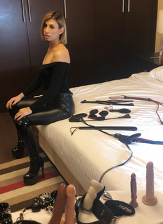 Mistress Ingrid last 2days - escort in Dubai Photo 10 of 14