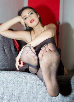 Mistress Iris - dominatrix in Singapore Photo 3 of 11