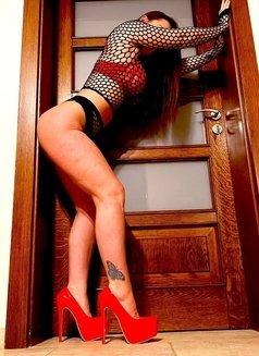 Mistress Jasmine - dominatrix in Stuttgart Photo 10 of 12
