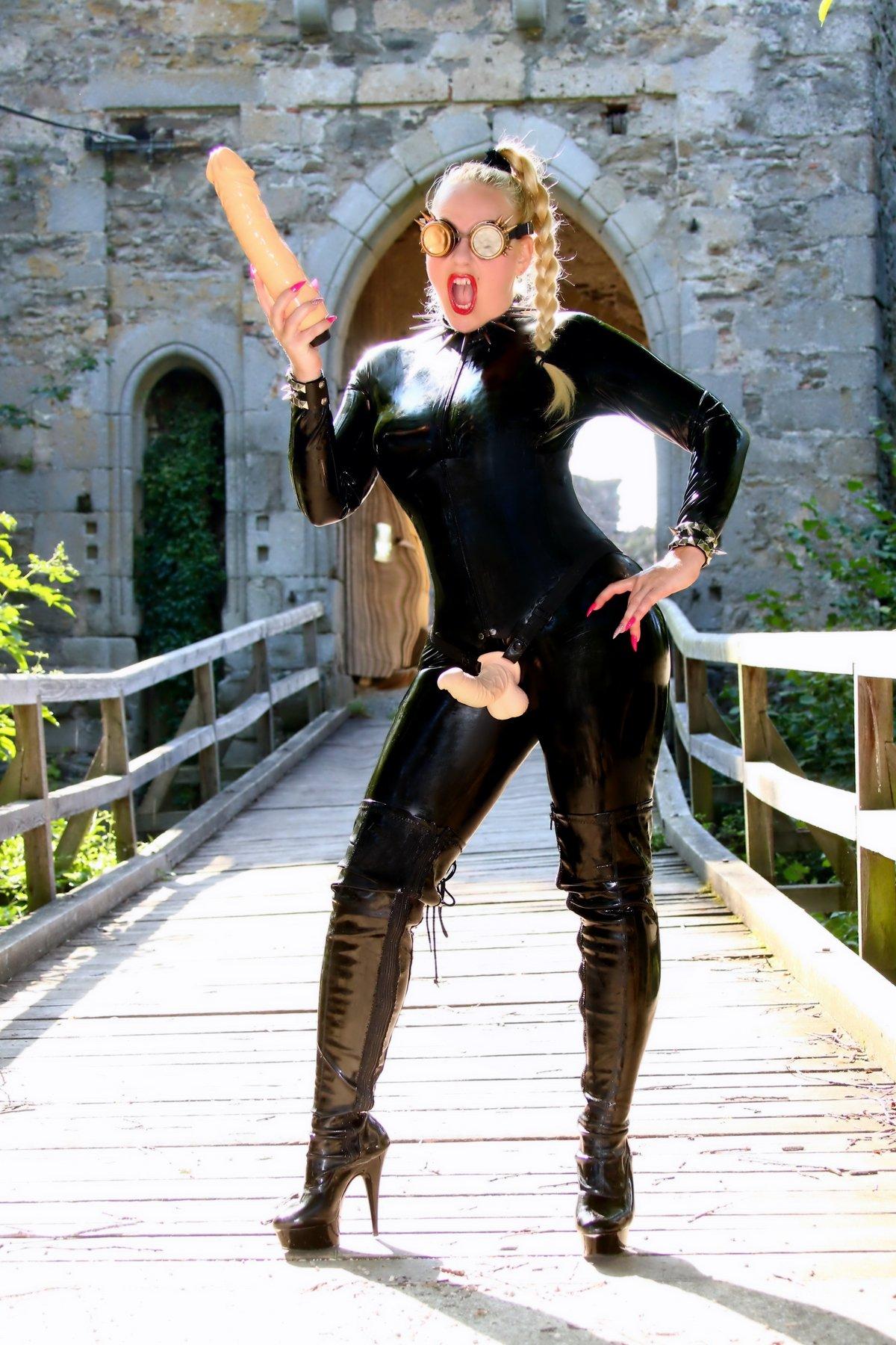 Mistress Jessica, Czech dominatrix in London