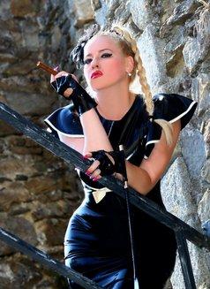 Mistress Jessica - dominatrix in London Photo 7 of 15