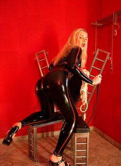 Mistress Jessica in Austria - dominatrix in Graz Photo 16 of 24