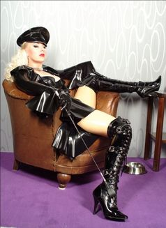 Mistress Jessica in Austria - dominatrix in Graz Photo 5 of 24