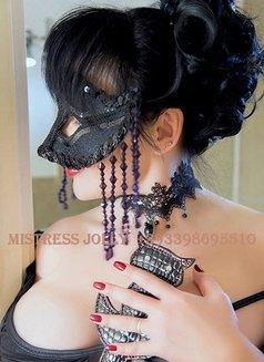 Mistress Jolly - dominatrix in Barcelona Photo 3 of 10