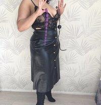 Mistress King - dominatrix in Berlin