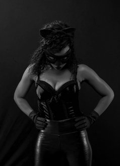 Mistress Lady B - dominatrix in Nairobi Photo 3 of 3