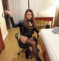 Mistress Linzi Online session. - Transsexual dominatrix in Makati City