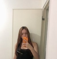 Mistress Linzi online/real-time session - Transsexual dominatrix in Makati City