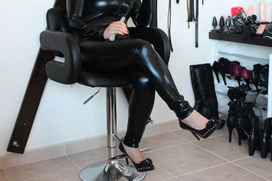femdom escort masseuse
