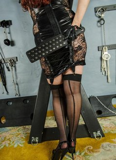 Mistress Samantha - dominatrix in Kitchener Photo 2 of 6