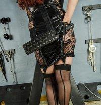 Mistress Samantha - dominatrix in Kitchener