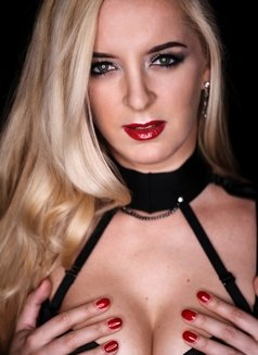 Mistress Sandra - dominatrix in Oslo Photo 1 of 5