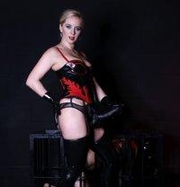 Mistress Sandra - dominatrix in Oslo