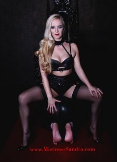 Mistress Sandra - dominatrix in Oslo Photo 4 of 5