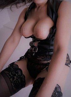Mistress Shanghai & her female subs - dominatrix in Shanghai Photo 11 of 12
