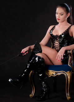 HOLIDAYS SEASONS OF SESSION. BOOK NOW - Transsexual dominatrix in Manila Photo 8 of 19