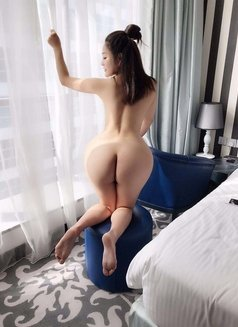 Miya - escort in Dubai Photo 1 of 5