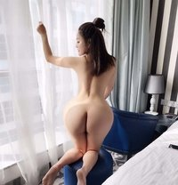 Miya - escort in Dubai Photo 2 of 5