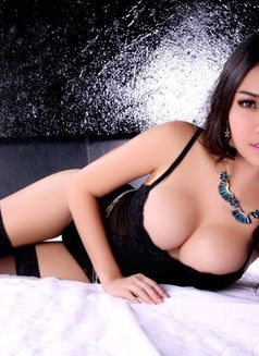 Model Cherry - escort in Bangkok Photo 2 of 9