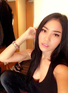 Model Cherry - escort in Bangkok Photo 8 of 9