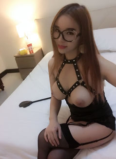 Monica 34EE - escort in Dubai Photo 5 of 20