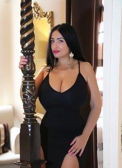 Monroe Big Boobs 40 DD Plus size - escort in Dubai Photo 3 of 18