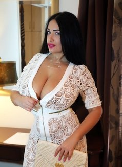 Monroe Big Boobs 40 DD Plus size - escort in Dubai Photo 4 of 18